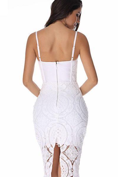 Robe blanche dentelle à lanières