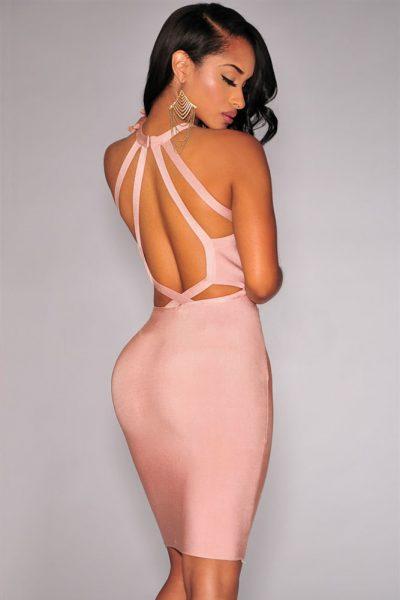 Robe rose à dos nu entrecroisé