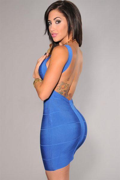 Robe bleu au dos nu